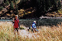 /images/133/2004-09-maroon-people02.jpg - #02181: images of Maroon Lake … Sept 2004 -- Maroon Bells, Colorado
