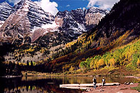 /images/133/2004-09-maroon-people1.jpg - #02224: Maroon Lake (elev 9,580ft) in front of Maroon Bells (elev 14,156ft) … Sept 2004 -- Maroon Lake, Maroon Bells, Colorado