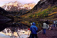 /images/133/2004-09-maroon-photog2.jpg - #02230: waiting for the ever-changing light … Sept 2004 -- Maroon Lake, Maroon Bells, Colorado