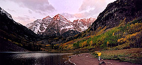 /images/133/2004-09-maroon-photog4-pano.jpg - #02210: 7am sun … changing photo location … Sept 2004 -- Maroon Peak, Maroon Bells, Colorado