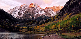 /images/133/2004-09-maroon-view2-pano.jpg - #02216: 7am sun touches the peaks of Maroon Bells … Sept 2004 -- Maroon Peak, Maroon Bells, Colorado