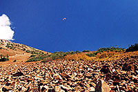 /images/133/2004-10-cinnamon-para-oran2.jpg - #02268: Orange Paraglider over Cinnamon Mountain (12,293ft) … Oct 2004 -- Paradise Divide, Crested Butte, Colorado