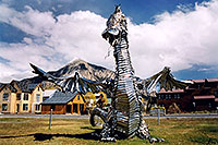 /images/133/2004-10-crested-dragon3.jpg - #02307: Crested Butte dragon … Oct 2004 -- Crested Butte, Colorado