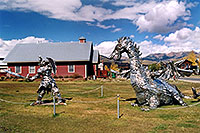 /images/133/2004-10-crested-dragon4.jpg - #02308: Crested Butte dragon … Oct 2004 -- Crested Butte, Colorado