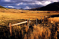/images/133/2004-10-crested-evening10.jpg - #02310: evening in Crested Butte, looking south … Oct 2004 -- Crested Butte, Colorado