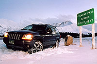 /images/133/2004-11-fremont-pass-jeep.jpg - #02424: highest road around … November 2004 -- Fremont Pass, Colorado