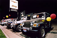 /images/133/2004-11-lithia-jeep1.jpg - #02428: brown, white and blue Jeep Wranglers at Lithia Jeep in Centennial, Colorado … Nov 2004 -- Lithia Jeep, Centennial, Colorado