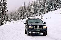 /images/133/2005-02-evans-jeep-snow.jpg - #02460: my Jeep at road before Mt Evans … Feb 2005 -- Mt Evans, Colorado