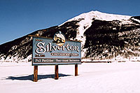 /images/133/2005-03-silverton-sign.jpg - #02561: town of Silverton … March 2005 -- Silverton, Colorado