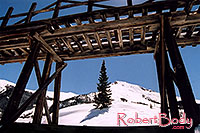 /images/133/2005-03-silverton-structure.jpg - #02589: views near Silverton … March 2005 -- Silverton, Colorado