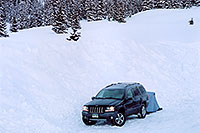 /images/133/2005-03-wolfcreek-jeep2.jpg - #02596: morning at Wolf Creek Pass … March 2005 -- Wolf Creek Pass, Colorado