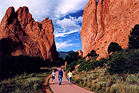 /images/133/2005-09-gardgods1.jpg - #02637: morning at Garden of the Gods … Sept 2005 -- Garden of the Gods, Colorado Springs, Colorado