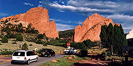 /images/133/2005-09-gardgods2-pano.jpg - #02612: morning at Garden of the Gods … Sept 2005 -- Garden of the Gods, Colorado Springs, Colorado