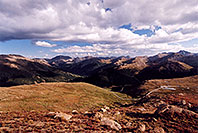 /images/133/2005-09-indep-view5.jpg - #02626: View above Independence Pass, in direction of Twin Lakes … Sept 2005 -- Independence Pass, Colorado