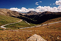 /images/133/2005-09-indep-view8.jpg - #02629: near top of Independence Pass; road from Twin Lakes (left) … Sept 2005 -- Independence Pass, Colorado