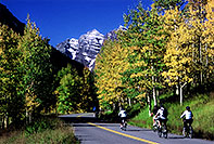 /images/133/2005-09-maroon-bikes.jpg - #02657: images of Maroon Bells … Sept 2005 -- Maroon Bells, Colorado