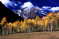 /images/133/2005-09-maroon-meadow4.jpg - #02661: images of Maroon Bells … Sept 2005 -- Maroon Bells, Colorado
