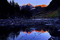 /images/133/2005-09-maroon-refl-early.jpg - #02670: images of Maroon Bells … Sept 2005 -- Maroon Bells, Colorado