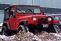 /images/133/2006-01-jep-red-jeep1.jpg - #02705: red Jeep Wrangler in Englewood … Jan 2006 -- Englewood, Colorado