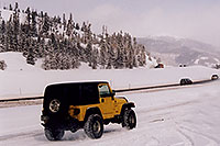 /images/133/2006-02-frisco-y-wrangler3.jpg - #02715: yellow Jeep Wrangler at overview of Dillon Lake … Feb 2006 -- Frisco, Colorado