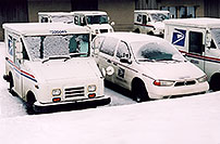 /images/133/2006-02-greenwood-us-mail.jpg - #02764: US Mail trucks in Greenwood Village … Feb 2006 -- Greenwood Village, Colorado