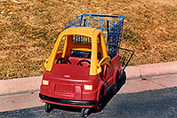 /images/133/2006-02-rosemont-red-cart.jpg - #02815: red truck shopping cart … Feb 2006 -- Remington, Lone Tree, Colorado