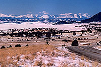 /images/133/2006-02-wilkerson-view5.jpg - #02827: car from Hartsel approaching Wilkerson Pass … Feb 2006 -- Hartsel, Colorado