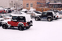 /images/133/2006-03-idaho-springs-jeeps.jpg - #02870: red and black Jeep Wranglers … images of Idaho Springs … March 2006 -- Idaho Springs, Colorado