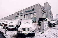 /images/133/2006-03-lithia-snow1.jpg - #02878: snowy Jeep Wranglers at Lithia Jeep … March 2006 -- Lithia Jeep, Centennial, Colorado