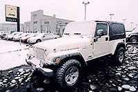 /images/133/2006-03-lithia-snow3.jpg - #02880: snowy white Jeep Wrangler at Lithia Jeep … March 2006 -- Lithia Jeep, Centennial, Colorado