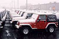 /images/133/2006-03-lithia-snow4.jpg - #02881: red Jeep Wrangler X and other snowy Jeep Wranglers at Lithia Jeep … March 2006 -- Lithia Jeep, Centennial, Colorado
