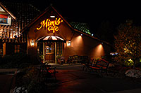 /images/133/2006-09-30-lone-night05.jpg - #02865: Mimis Café in Lone Tree … Sept 2006 -- Yosemite Rd, Lone Tree, Colorado