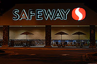 /images/133/2006-09-30-lone-night11.jpg - #02871: Safeway in Lone Tree … Sept 2006 -- Yosemite Rd, Lone Tree, Colorado