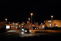 /images/133/2006-10-05-lone-night01.jpg - #02916: Safeway at Yosemite and Lincoln … Images of Lone Tree … Oct 2006 -- Yosemite Rd, Lone Tree, Colorado