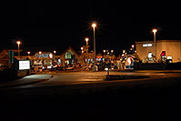 /images/133/2006-10-05-lone-night02.jpg - #02922: Safeway at Yosemite and Lincoln … Images of Lone Tree … Oct 2006 -- Yosemite Rd, Lone Tree, Colorado