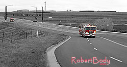 /images/133/2006-10-08-cent-firetrucks.jpg - #02996: Firetrucks on emergency approach in Centennial … Oct 2006 -- Centennial, Colorado