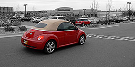 /images/133/2006-10-08-cent-mini03-w.jpg - #02966: red VW Beetle Bug and red Cooper Mini in Centennial … Oct 2006 -- Centennial, Colorado