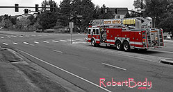 /images/133/2006-10-08-lone-firetruck-y.jpg - #03018: Lone Tree Firetruck at Yosemite and Lone Tree Parkway - South Metro Fire Rescue #34 … Oct 2006 -- Yosemite Rd, Lone Tree, Colorado