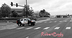 /images/133/2006-10-08-lone-hummer-bw.jpg - #03019: Police Hummer on Yosemite Road … Oct 2006 -- Yosemite Rd, Lone Tree, Colorado