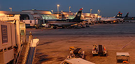 /images/133/2006-10-13-charlotte02-pano.jpg - #03003: US Airways airlines at Charlotte airport … Oct 2006 -- Charlotte, North Carolina