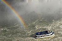/images/133/2006-10-15-niag-rainbow03.jpg - #03031: Maid of Mist tour boat heading closer to Niagara Falls … Oct 2006 -- Niagara Falls, Ontario.Canada