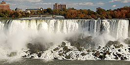 /images/133/2006-10-15-niag-us-falls06.jpg - #03040: images of US side of Niagara Falls … Oct 2006 -- Niagara Falls, Ontario.Canada