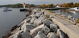 /images/133/2006-10-21-oak-bronte01-w.jpg - #03074: images of Oakville … Oct 2006 -- Bronte Harbour, Oakville, Ontario.Canada