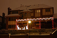/images/133/2006-11-28-lone-golf-house.jpg - #03132: Christmas lights on a house in Lone Tree … Nov 2006 -- Lone Tree, Colorado