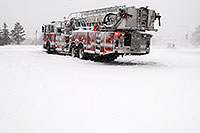 /images/133/2006-12-20-lone-linc-fire02.jpg - #03259: Firetruck on Lincoln Rd - when Excel natural gas pipe broke  - South Metro Fire Rescue … Dec 2006 -- Lincoln Rd, Lone Tree, Colorado