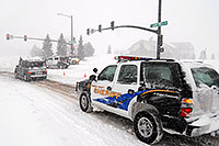 /images/133/2006-12-20-lone-lincoln01.jpg - #03261: Police directing traffic on Lincoln Rd - Douglas County Sheriff … Dec 2006 -- Lincoln Rd, Lone Tree, Colorado
