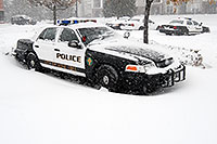 /images/133/2006-12-20-lone-police01.jpg - #03264: Lone Tree Police car during a December snowstorm … Dec 2006 -- Lone Tree, Colorado