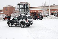/images/133/2006-12-29-engle-rei-view07.jpg - #03340: Xterra and and red and blue Jeep Wranglers in front of REI #61 in Englewood, Colorado … December 2006 -- Englewood, Colorado