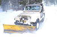 /images/133/2007-01-07-miners-jeeps03.jpg - #03351: Jeep Wrangler with a snowplow … Jan 2007 -- Miner`s Candle, Idaho Springs, Colorado