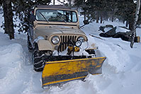 /images/133/2007-01-07-miners-jeeps04.jpg - #03306: Jeep Wrangler with a snowplow … Jan 2007 -- Miner`s Candle, Idaho Springs, Colorado